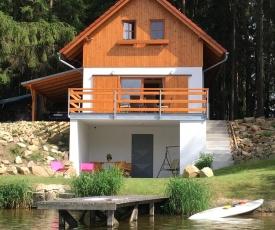 Chata u rybníka-Komorník
