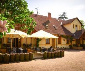 Restaurace a penzion Hájovna